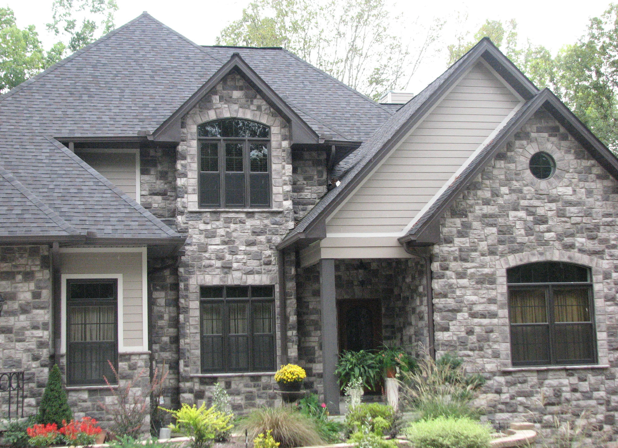 European cobblestone stonehouse solutions for House of granite and marble